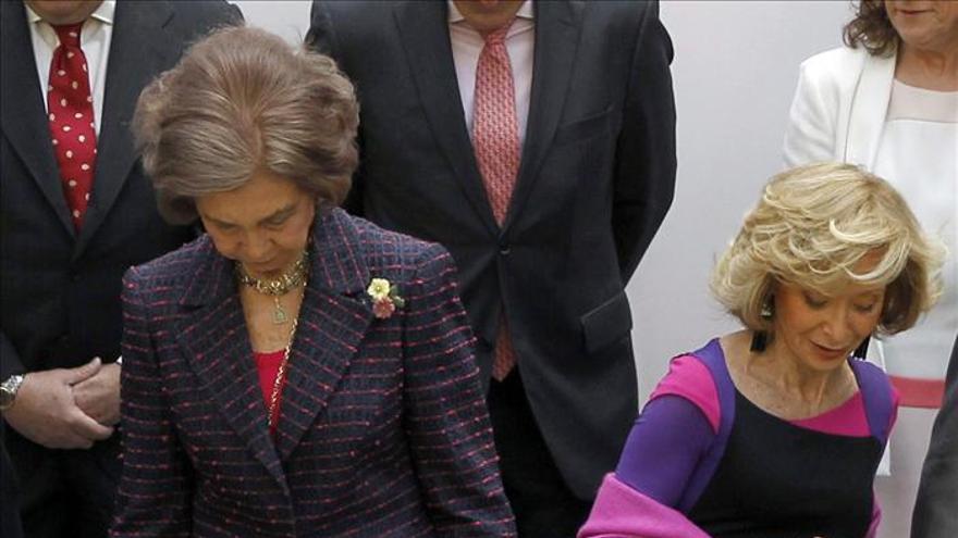 La Reina celebra con De La Vega el primer aniversario de Mujeres por África