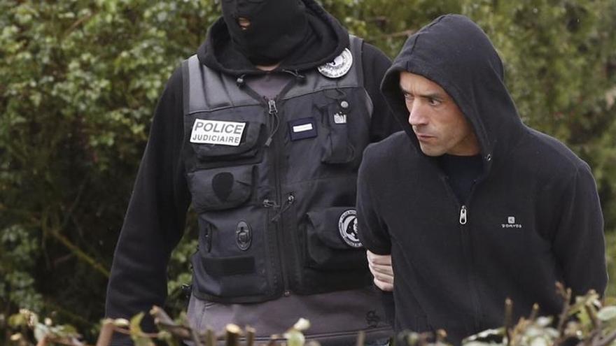 El presunto jefe de ETA continúa detenido junto a la pareja que lo alojaba