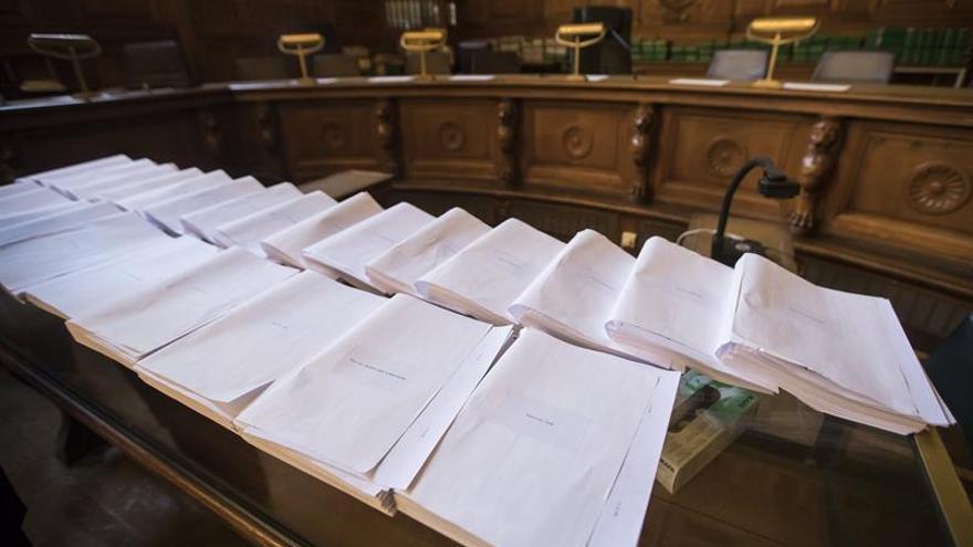 Francia juzga a 20 miembros de una célula yihadista desmantelada en 2012-2014