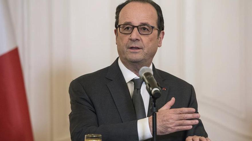 Hollande dice que el triunfo de Van der Bellen es el de Europa