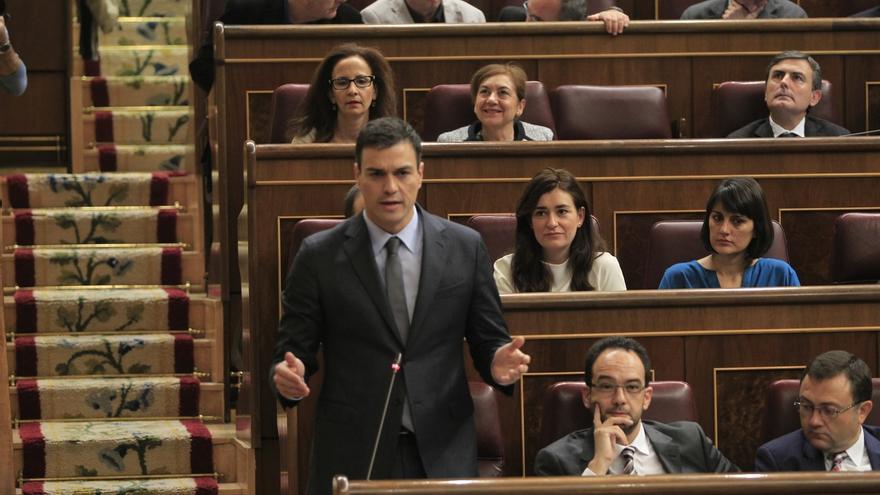 """Sánchez dice que estaría """"encantado de hablar"""" con Mas porque para resolver esta crisis hace falta """"diálogo"""""""