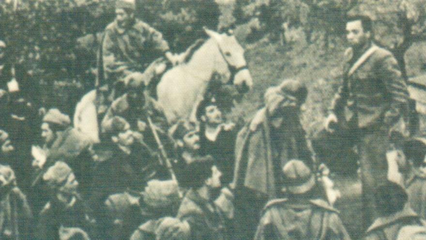Miguel Hernández arengando a las tropas en la Batalla de Extremadura (1937)