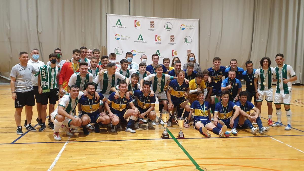 Jugadores del Boca de Priego y Córdoba Patrimonio B, tras la final de la Copa Diputación