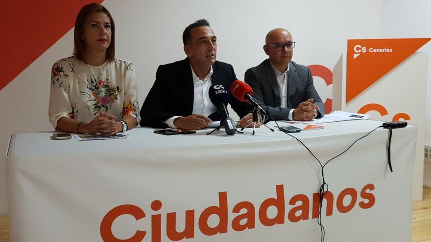 Concejales de Ciudadanos en Santa Cruz, en la rueda de prensa de este miércoles