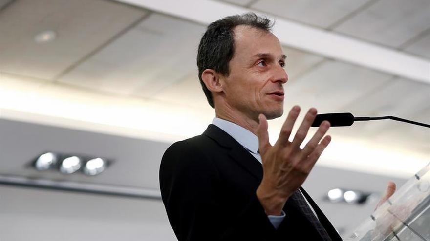 Pedro Duque, el ministro más valorado por ciudadanos y el único que aprueba