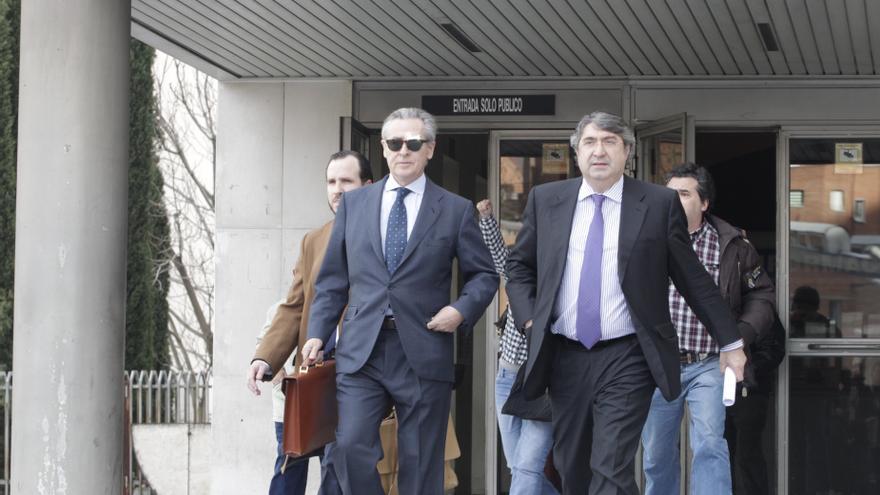 (Amp.) El juez Andreu cita por las preferentes a Blesa y 14 exresponsables de Caja Madrid y Bancaja