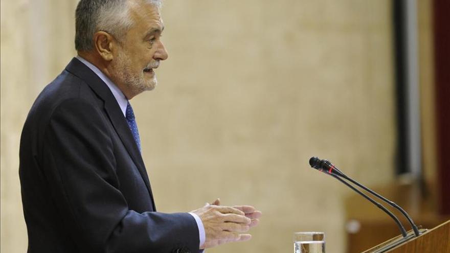 """Griñán asegura que se """"ventilarán"""" responsabilidades políticas por los ERE"""
