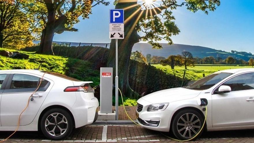 Los vehículos eléctricos superarán en cuota a los diésel y gasolina en 2040, según un estudio