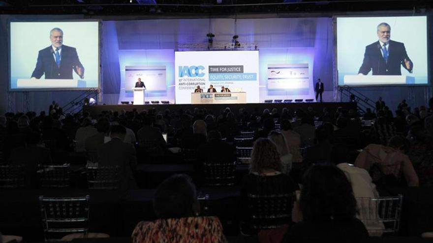 Transparencia Internacional pide un pacto integral y efectivo contra la corrupción