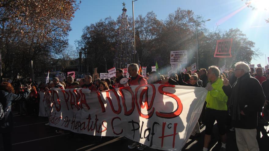 Cabecera de la protesta por los fármacos para tratar la hepatitis C / M.D.