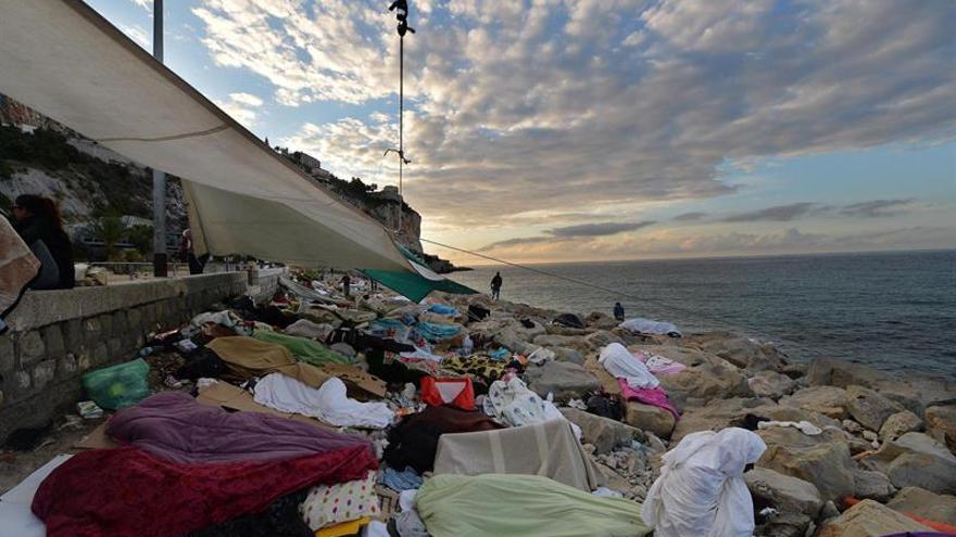 Mueren 126 inmigrantes en un naufragio en el Mediterráneo, según los supervivientes
