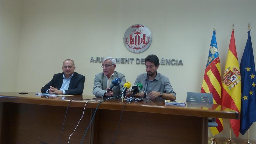 Joan Calabuig, Joan Ribó y Jordi Peris durante la comparecencia de prensa