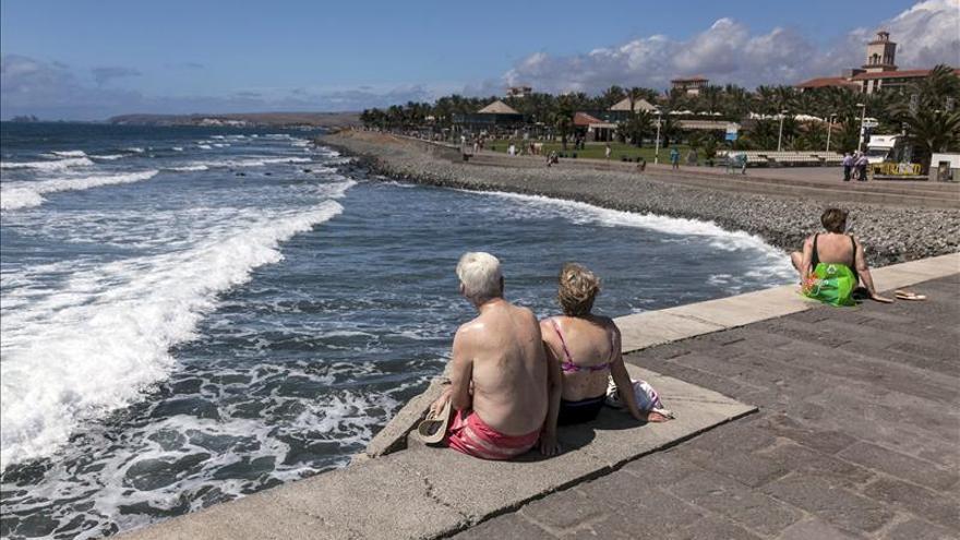 La primera ola de calor del año llevará los termómetros a 36 º C en Canarias