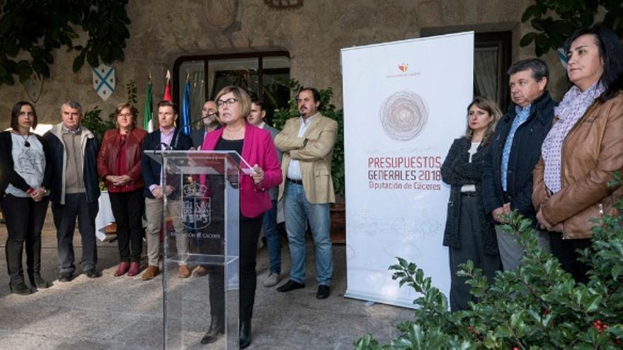 La Presidenta con su equipo de gobierno