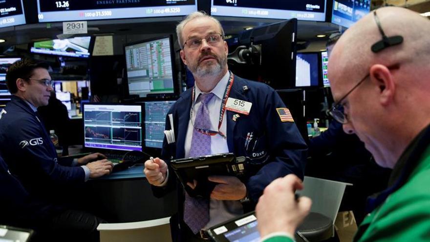 Wall Street abre sin rumbo y el Dow Jones cede un 0,01 %