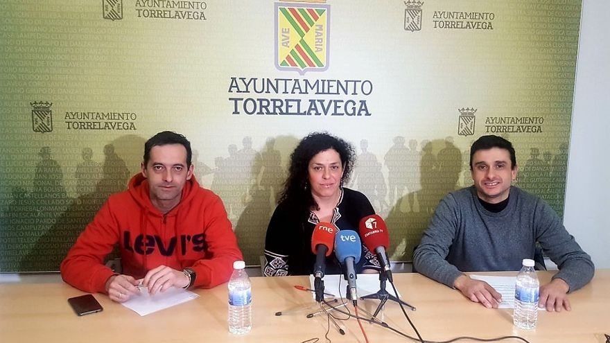 Rueda de prensa de los portavoces de Podemos e IU de Torrelavega.