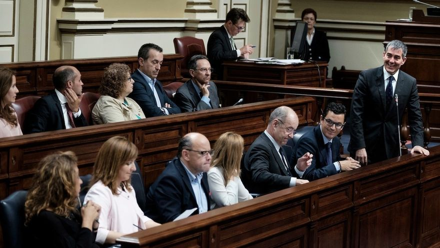 """Clavijo pide a 2018 el apoyo de todos los grupos en los asuntos """"estratégicos"""" para Canarias"""