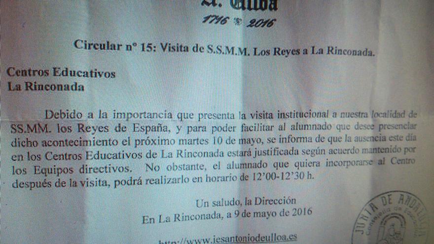 Un pueblo de Sevilla dispensa a los alumnos de ir a clase para que puedan presenciar la visita de los reyes