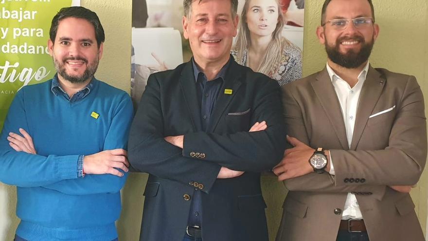 David Caballero y Juan Antonio Sempere a los lados, con el presidente nacional de Contigo José Enrique Aguar.