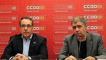 El secretario general de CCOO-PV, Arturo León, junto al secretario general de CCOO, Unai Sordo