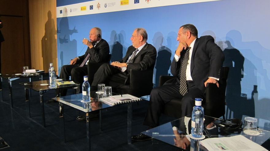 Solana avisa de que populismo y terrorismo son los enemigos de la integración mediterránea