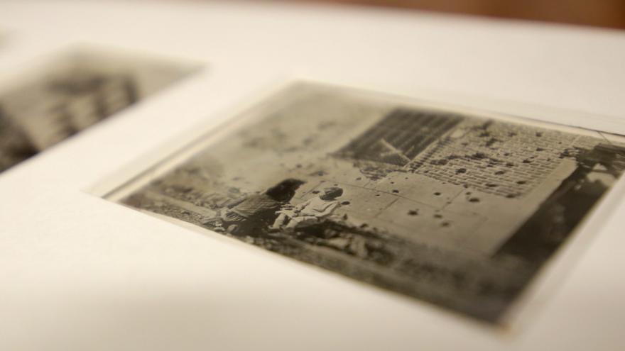 Copia descubierta de Robert Capa a la fachada Peironcely 10