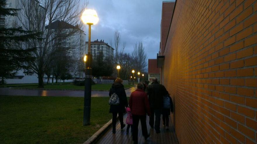 Las farolas esféricas iluminan aún muchas zonas de ciudades y pueblos.