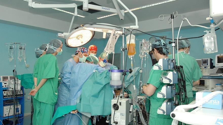 Valdecilla extrae y trasplanta con éxito cuatro órganos de un donante en asistolia por primera vez en España