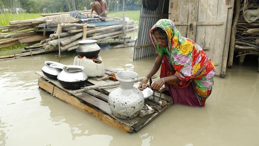 4,5 millones de afectados y 56 muertos por las inundaciones en Bangladesh
