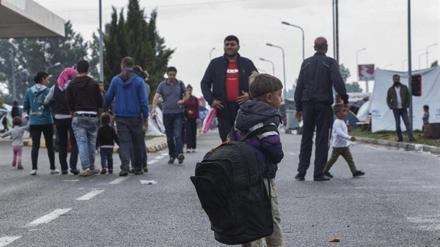Cruz Roja alerta de que 57.000 refugiados están atrapados en Grecia