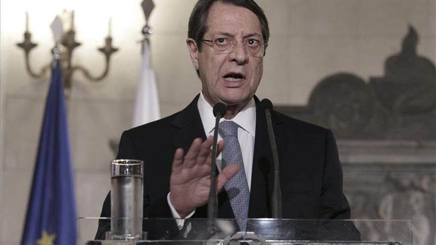 Anastasiadis cruza a la parte turca de Chipre para reunirse con Akinci