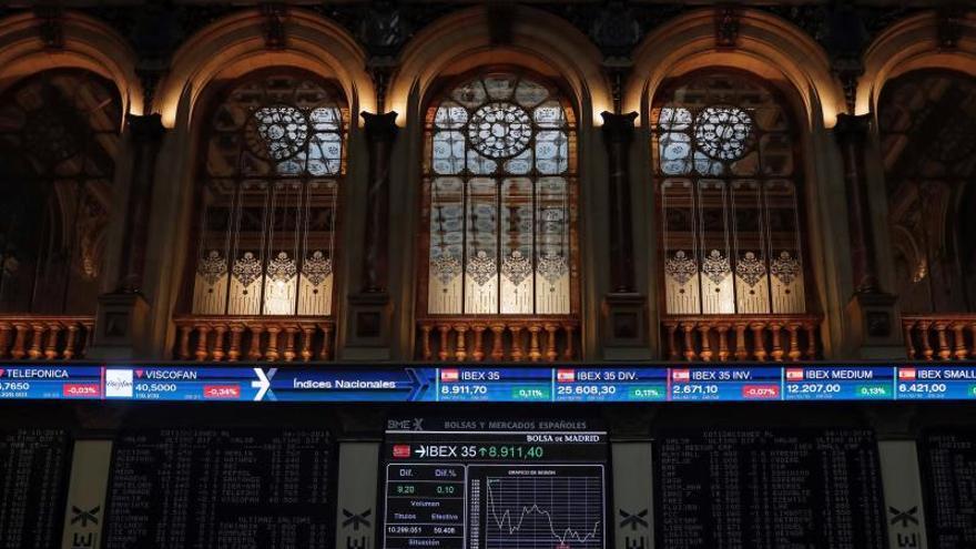 La Bolsa española sube el 0,41 % impulsada por la banca