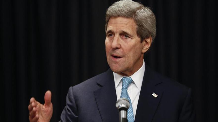 Kerry pide a Tailandia acoger temporalmente los inmigrantes a la deriva en el mar