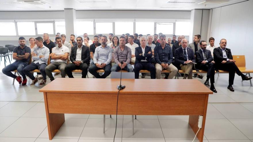 Los acusados ahora absueltos por el caso del presunto amaño del Levante UD-Zaragoza.