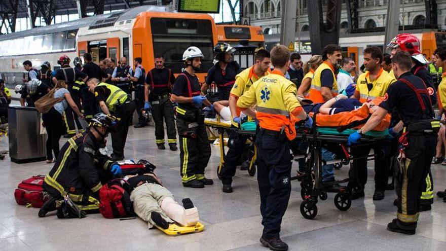 Medio centenar de heridos en un accidente de tren en Barcelona