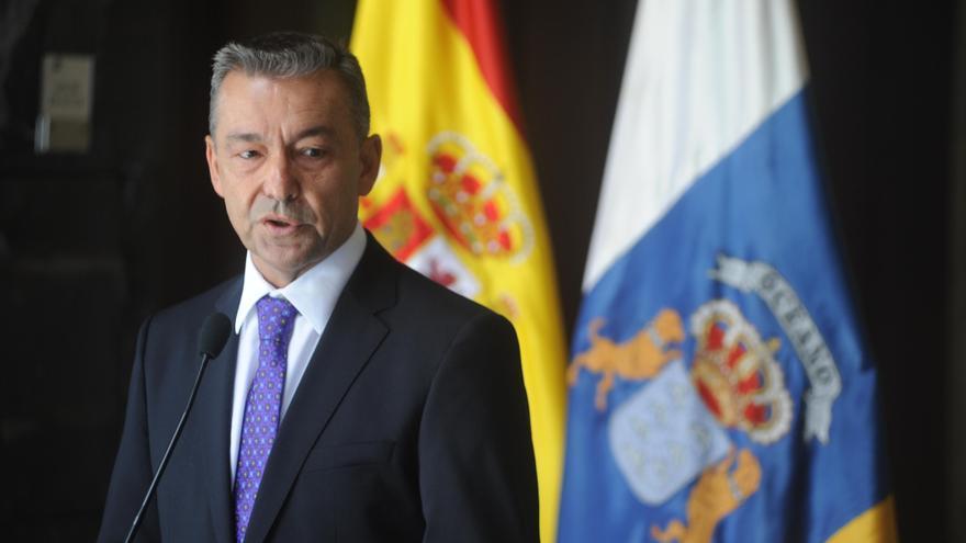 """Rivero dice que Canarias avanza hacia un """"tiempo mejor"""" y que defenderá """"con uñas y dientes"""" los servicios públicos"""