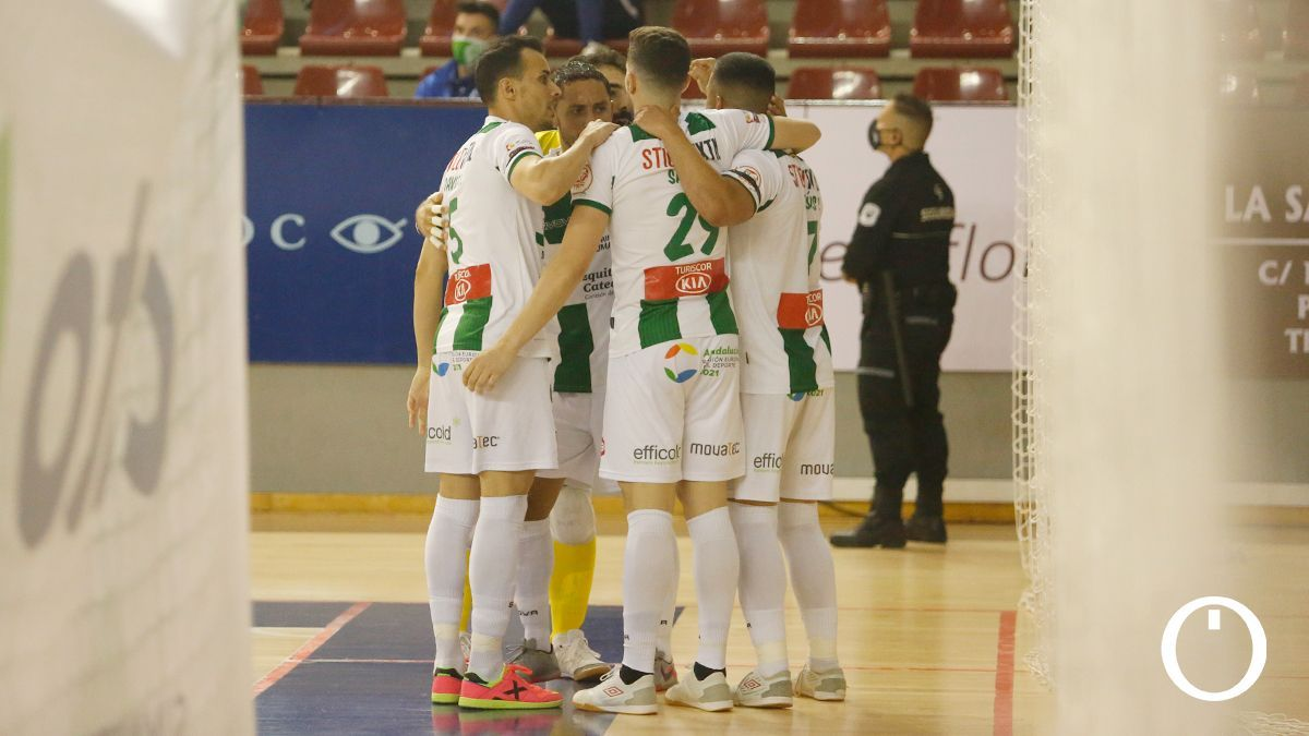 Los jugadores del Córdoba Patrimonio celebran un gol.