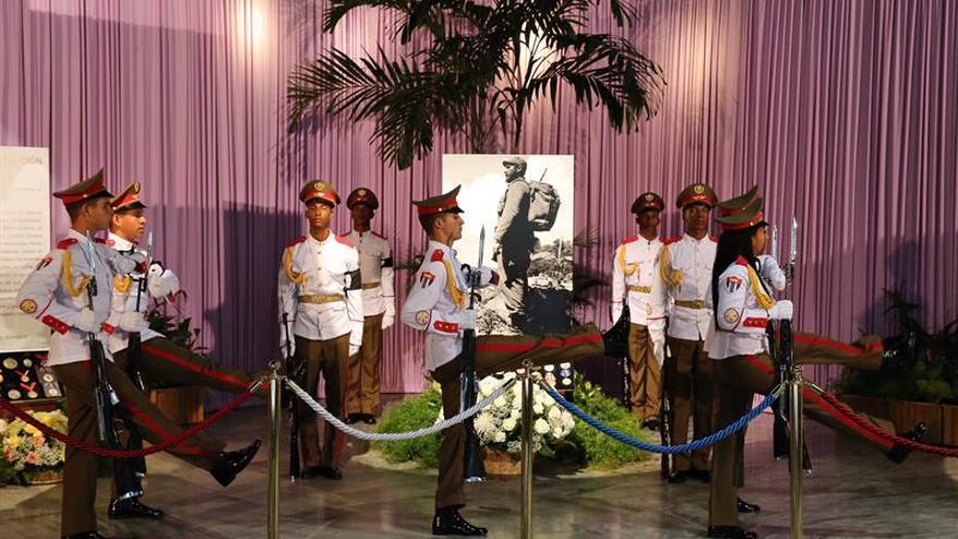 Las cenizas de Fidel emprenden viaje desde La Habana hasta Santiago