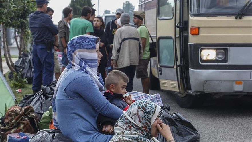 """Grecia exige un """"plan B"""" por si Turquía se distancia del acuerdo sobre refugiados"""