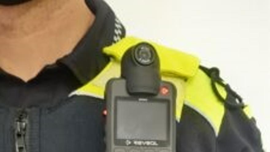 Policía Local de Vitoria incorpora doce cámaras personales para grabar intervenciones de peligro o urgencia