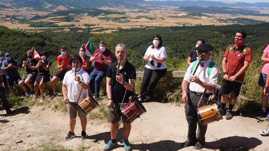 El PNV 'huye' al monte ante el desembarco de líderes políticos en la campaña vasca