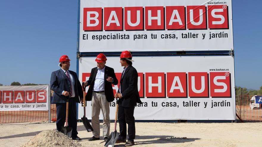 bauhaus invierte millones en su primera tienda ubicada en marratx mallorca y dar trabajo a personas