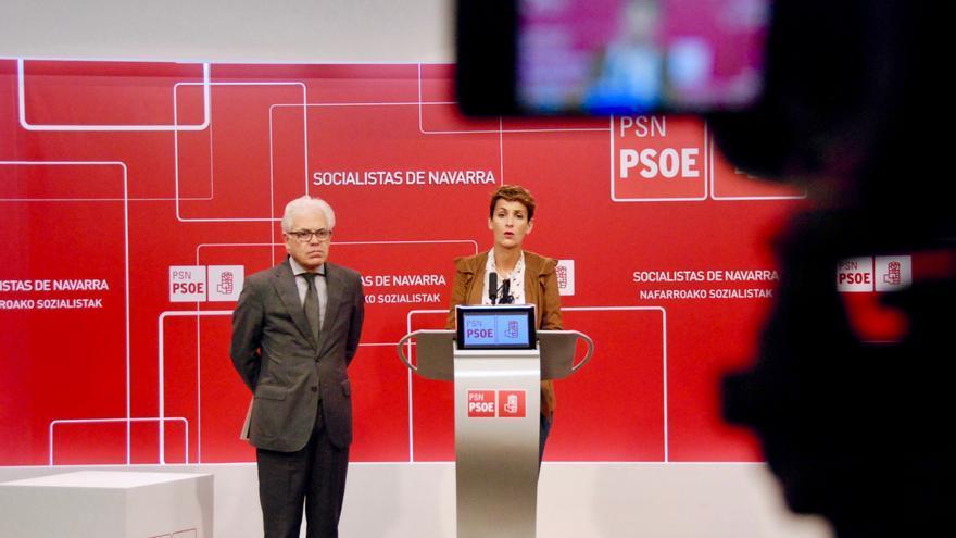 La candidata del PSN, María Chivite, y el dipuado socialista Jesús Mari Fernández.