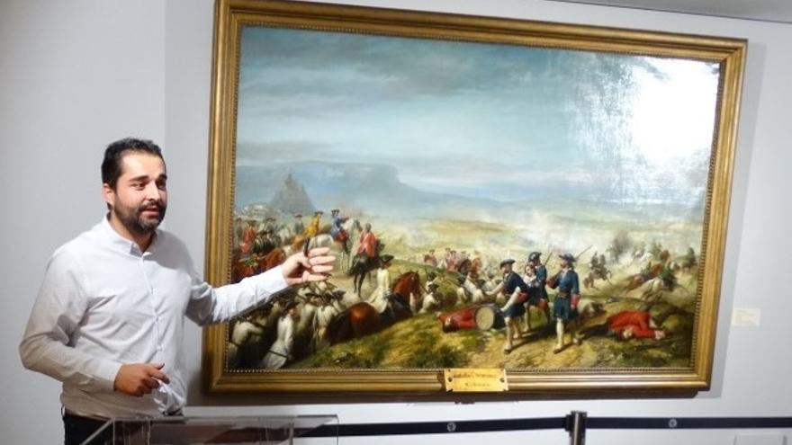 Jordi Estellés ha presentado la exposición del cuadro 'La Batalla de Almansa' en Xàtiva