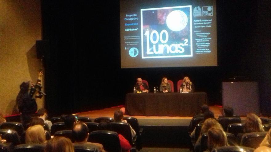 Acto de presentación del proyecto  de divulgación científica '100 Lunas cuadradas'.