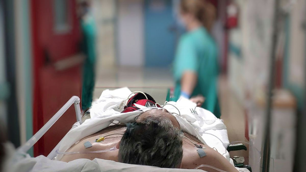 Un paciente Covid en Reina Sofía.