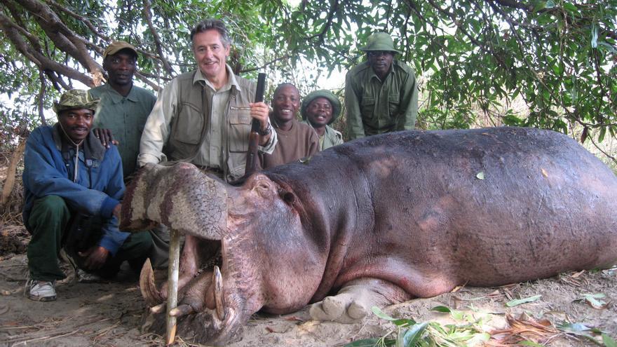 Miguel Blesa, de cacería en Tanzania, en 2006.