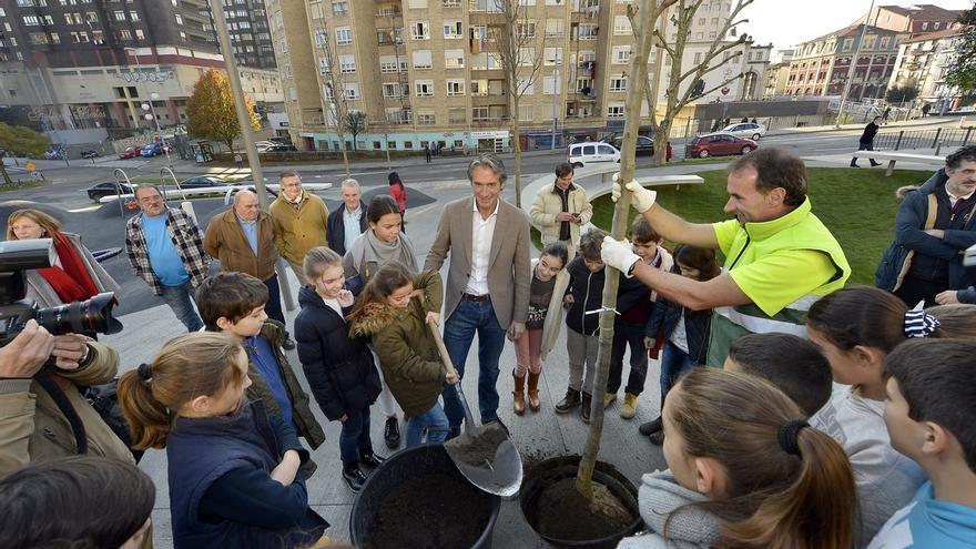 """La Plaza de Amaliach se reabre convertida en un espacio """"de vanguardia"""""""