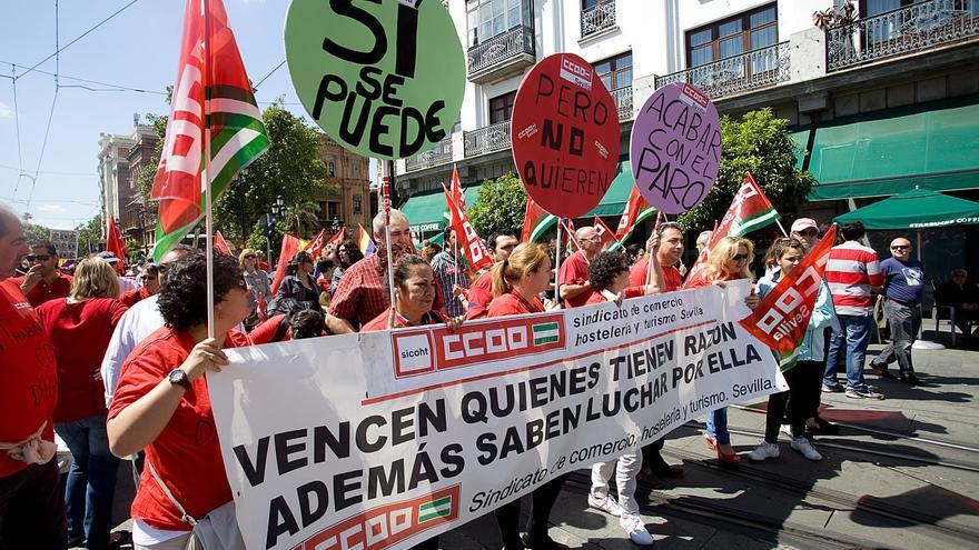 """""""Sí se puede pero no quieren acabar con el paro"""". Manifestación del 1 de mayo en Sevilla"""