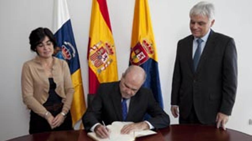 El primer acto oficial tras la obra se celebró este lunes con la visita del tercer vicepresidente del Gobierno español y ministro de Política Territorial, Manuel Chaves. (ACN PRESS)